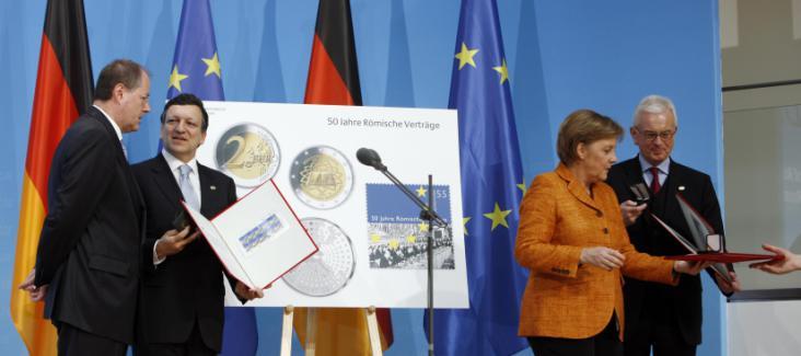 Barroso, Merkel and Pöttering signing the Berlin Declaration. Source: EC Audiovisual Service