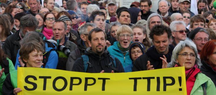 People protesting against TTIP in Berlin in April 2015, Source: Stop TTIP, Flickr