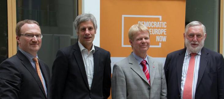 Press conference with Gerald Häfner (Democracy International), Reiner Hoffmann (DGB), Lars Feld (economic advisor) and Franz Fischler (former EU commissioner