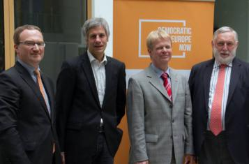 Press conference with Gerald Häfner (Democracy International), Reiner Hoffmann (DGB), Lars Feld (economic advisor) and Franz Fischler (former EU commissioner