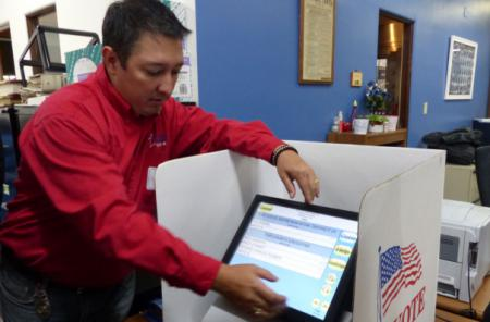 A touchable voting screen in Kansas, USA