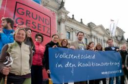 Mehr Demokratie, partner of Democracy International, campaigning for the nationwide referendum (Image by Mehr Demokratie)