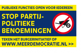 The campaign poster by Meer Democratie