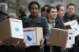 Direct democracy in action in Switzerland (Photo by swissinfo.ch)